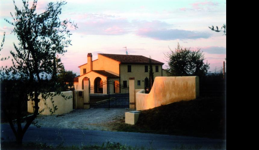 Ristrutturazione di edificio rurale come abitazione privata